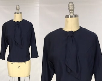 Vintage 1950s Secretary Blouse // Navy Statement Knot Tie Top // 50s Cropped Short Sleeve Office Style Shirt // Rockabilly Pin Up Bombshell