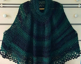Women's poncho in green.  Wool poncho. Perfect for Christmas or St.Patrick's day.Irish poncho. Lacy  poncho in green. Green and black poncho