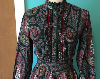 Laurel Canyon Lady - 1970's Paisley Printed Prairie Dress