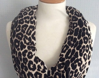 Leopard animal print snood