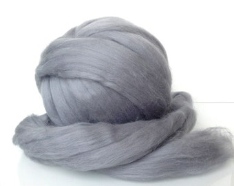 Fine Merino Wool Top Sliver, Wool for felting and spinning. Wool roving.Light grey, Silver gray. Wool for weaving.
