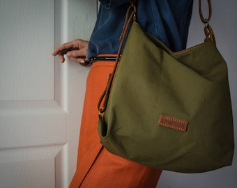 Bucket Bag /Green Hobo Tote / Waxed Canvas Tote Bag /  Shoulder Bag / Handbag / Diaper bag / Mum's bag / Waterproof / Casual Bag / Green Bag