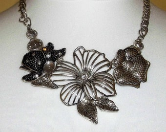 Silver tone flower bib statement necklace 1980s