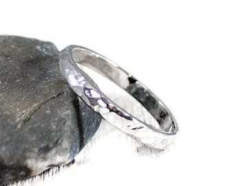 Sterling Silver Hammered Band. Simple Wedding Band. Mens Wedding Band 3mm. Silver Half Round Band. Simple Wedding Ring. Mens Womens Ring