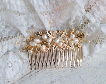 Gold leaf hair comb, Gold hair comb, Gold bridal hair comb, Wedding hair comb, Pearl hair comb, Gold wedding hair comb, Vintage hair comb