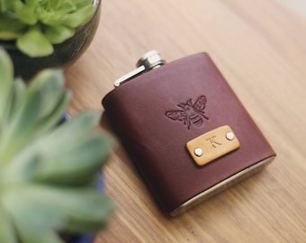 Custom Leather Flask, Handmade personalized gift for your boyfriend Groomsman, husband, best man. Honey Bee, Pick Initials, text