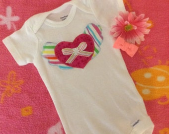 Baby girl winged heart appliqué onesie bodysuit