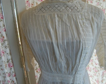 1890-1910 white cotton dress. Beautiful condition.