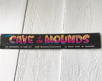Vintage souvenir matchbook extra long 1960s Wisconsin Cave of the Mounds free shipping US