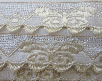 "Italy 3 Yards Fabric Trim Pale Ivory And White Butterflies Scalloped Trim 7/8"" Wide Ribbon  RV 43"