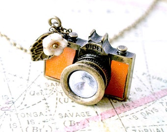 Camera necklace gift for her-Tan leather camera jewelry-Photographer necklace-Camera gift-Wedding photographer gifts-Christmas gift