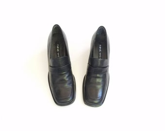 Vintage Womens 8 Nine West Hava Black Leather Loafers Slipons Heeled Pumps Oxfords Dress Shoes Chunky Goth 90s Style Classic Shoe Square Toe