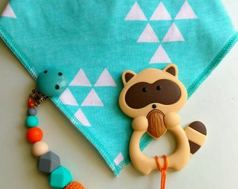 Bandana bib with pacifier clip, teething toy, baby gift, gender neutral, teething baby