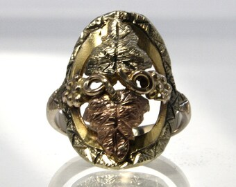 Black Hills Gold Ring Vintage 10K Gold Size 3.25 With Grape Leaves