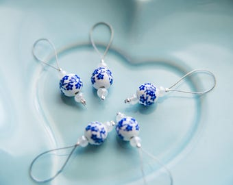 Vintage Look Blue and White Bead No Snag Stitch Markers - Set of 5 - Wire Style