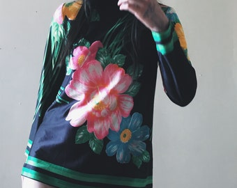Vintage 70s Bold Floral Mock-Neck Retro Tunic