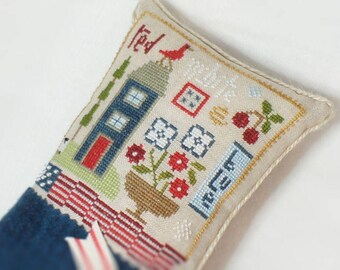 Red White and Blue Decorative Cross stitch Pillow- July 4th- Pillow Tuck