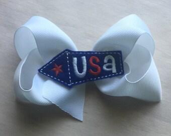 Patriotic girls hair bow white USAbow center