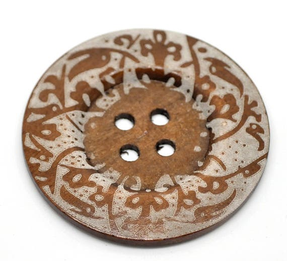 BB60107 - 1 BUTTON WOOD BROWN 6 CM LARGE