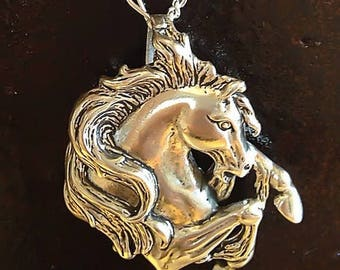 Horse necklace,silver horse necklace,horse pendent,sterling silver horse, Equestrian jewelry,equestrian necklace,silver equestrian necklace