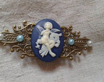 "brooch ""print and large Angel"""