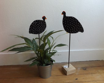 Deco fowl for plants and flowers
