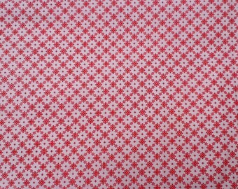 """Vintage 1950s-60s floral diamond print cotton quilting fabric. By the yard. 38"""" W."""