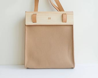 LOGGET Wooden Tote (Latte)