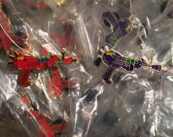 Zombies Ray Gun Pin Set