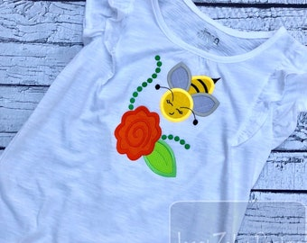 Bee with flower appliqué embroidery design - bee appliqué design - flower appliqué design - bumble bee appliqué design - spring appliqué