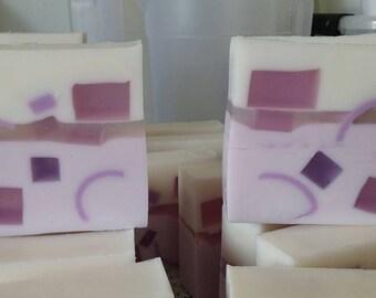 Lavender Glycerin soap - Vegan - Handmade in Iceland - Artisan soap