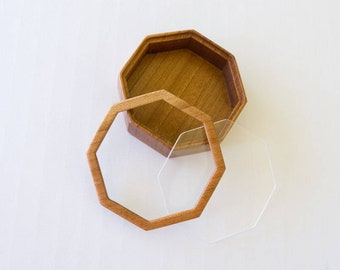 Artisanal quality fine finished octagonal hardwood bezel with lid - 66 mm overall - (F86l)