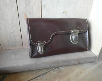 Thing gadget pouch, tobacco pouch, Brown and green, leather clip clasp