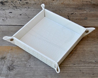 White Faux Leather Catchall tray, Gift for mom, Gift for her, Desk Tidy, Home Decor, housewarming gift, Bridal Shower, women present