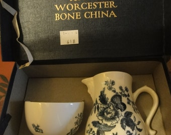 Very Old Royal Worcester boxed set of Jug&Bowl in 18th century style