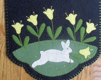 Daffodil Dance Penny Wool Runner