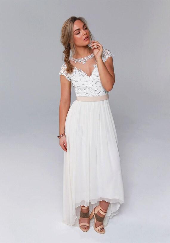 Ein von einer Art Hochzeitskleid