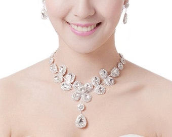 Large Vintage style 1920's Art Deco Crystal Diamante Flower Necklace and Earrings set. Wedding Prom