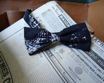 Handmade snake skin print Bow-tie