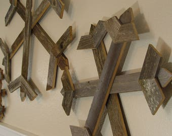 Rustic Winter Home Decor, reclaimed wood snowflakes, rustic wooden snowflakes, weathered barn wood snowflakes, large wood snowflakes
