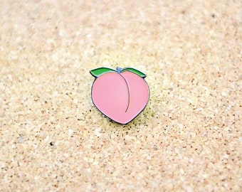 Peach Emoji Lapel Hat Pin