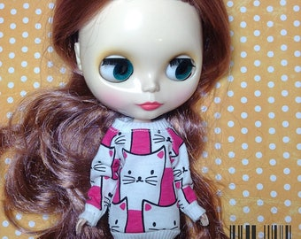Purrrrrfect cat sweatshirt for Blythe or Dal doll
