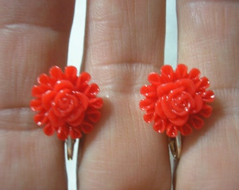 Play Earring - Clip or Pierced - Flower - Red - 1/2""