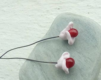Duets of pink poppies with red heart - Lampwork Glass