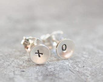 Sterling silver XO stud earrings - minimal, simple every day earrings