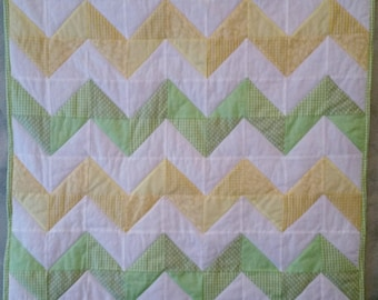 Chevron Quilt/ Baby Quilt/ Toddler Quilt/ Lap Quilt/ Throw Quilt/ Gender Neutral Quilt/ Baby Gift Ideas/ Zig Zag Quilt/ Striped Quilt