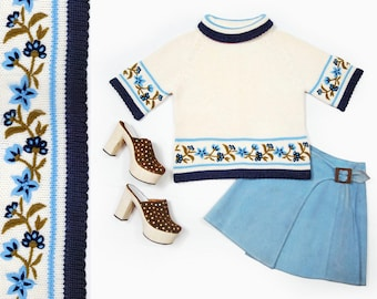 60s Glenbrooke ivory & blue floral embroidered short sleeve cropped turtle neck sweater - SIZE Small