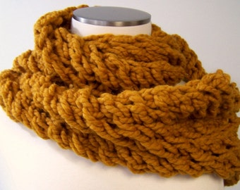 Chunky Knit Gold Infinity Scarf, Knit Loop Scarf Mustard, Big Knit Scarf Butterscotch Gold, Chunky Knit Circle Scarf, Amber Infinity Scarf