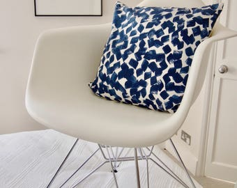 Scandi Abstract Brush mark Stroke Navy White Scatter Sofa Bed Armchair Cushion