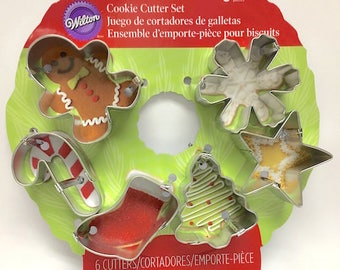 Holiday Wreath Mini Cookie Cutter Set - Wilton Christmas Cookie Cutters - Holiday Cookie Cutters, Mini Cookie Cutters, Fondant Cutters